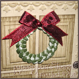 Christmas Door - Wreath detail